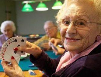 Tu sais que tu joues au poker contre un ringard quand…
